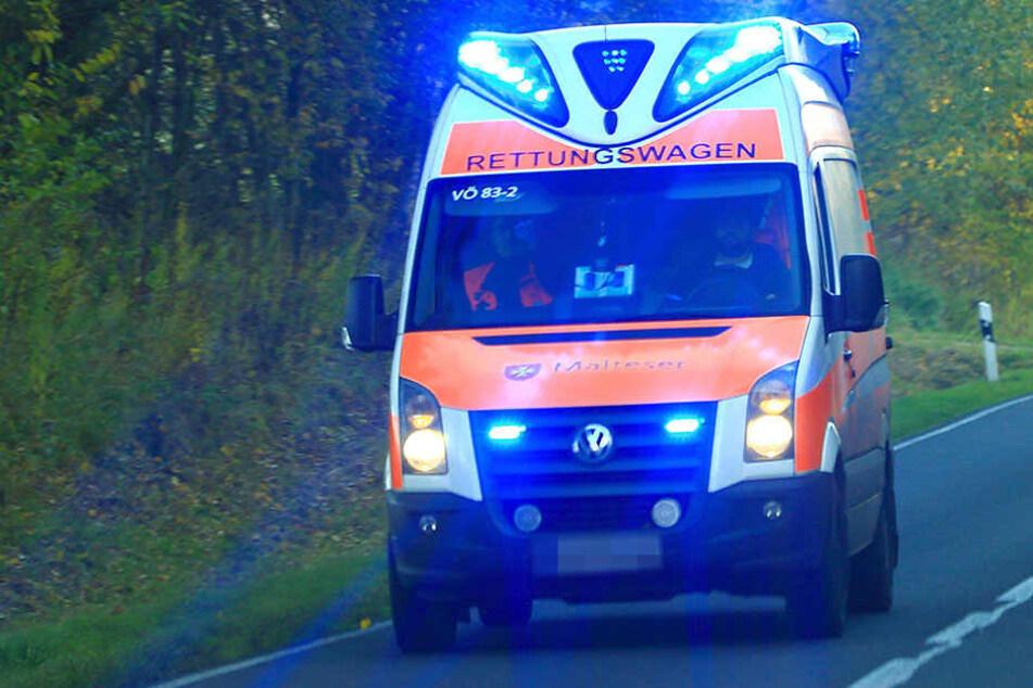 Das Opfer kam schwer verletzt ins Krankenhaus. (Symbolbild)
