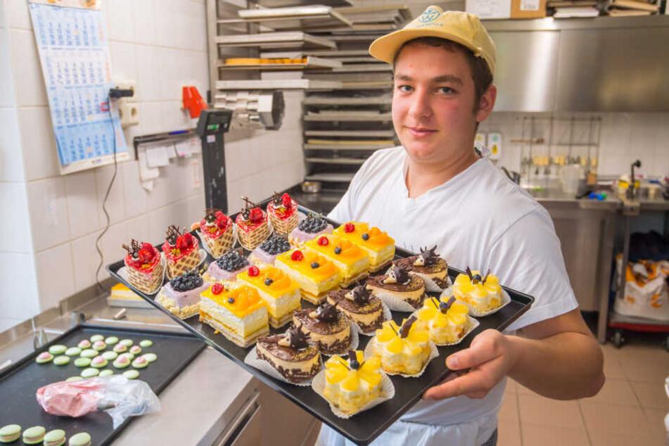 Michael Lang (20) zählt zu den besten Konditoren. Das junge Talent arbeitet in der Bäckerei Rudolph in Thalheim.