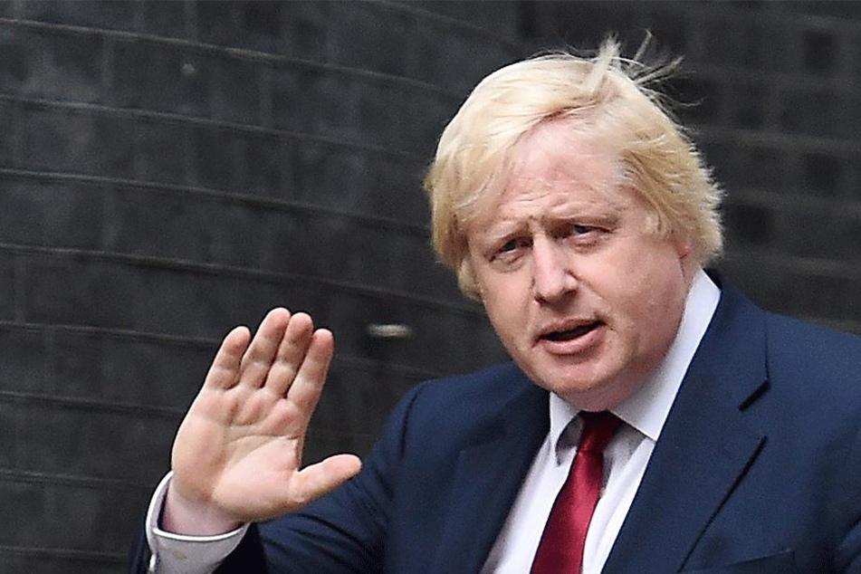 """Ex-Außenminister Boris Johnson (54) sagte """"bye bye""""."""