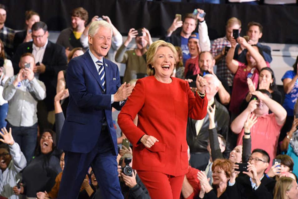 Die frühere Außenministerin und First Lady Hillary Clinton (69) ging als Favoritin in den Wahltag am Dienstag.