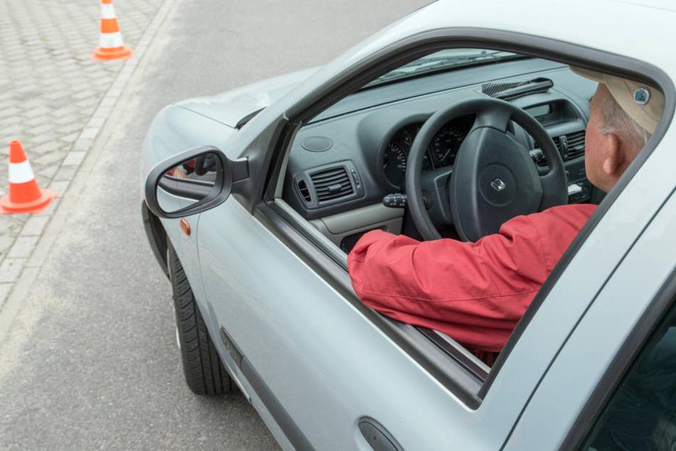 Am Steuer des Audis saß ein 82 Jahre alter Rentner. (Symbolbild)