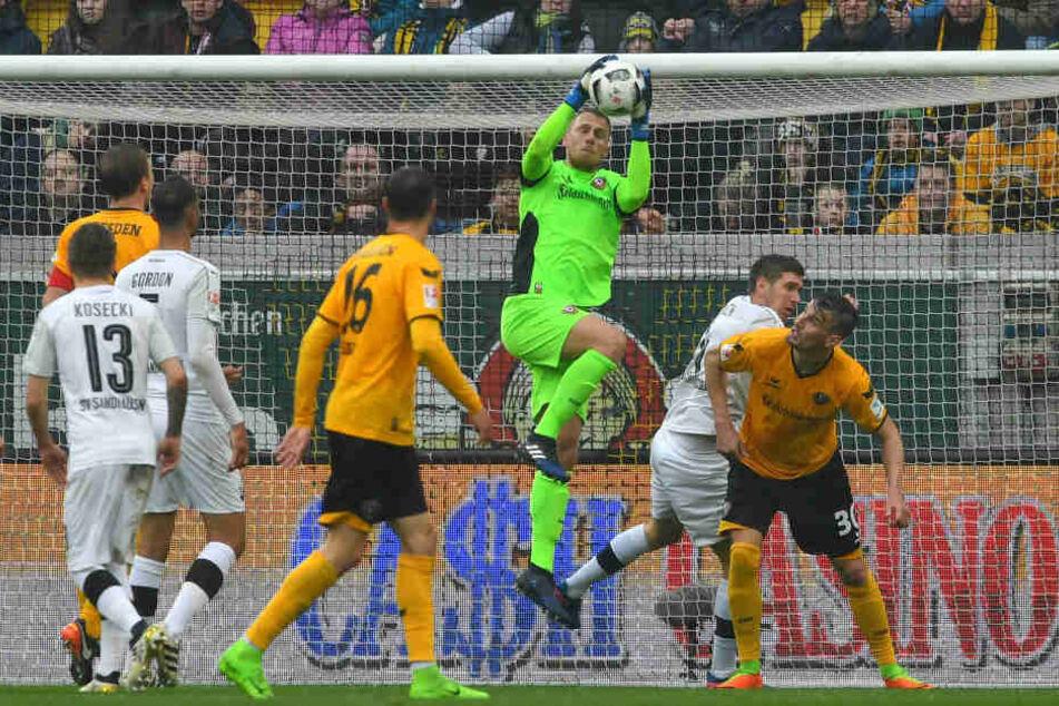 Marvin Schwäbe hat bei Dynamo eine tolle Entwicklung genommen und soll nun gehalten werden.