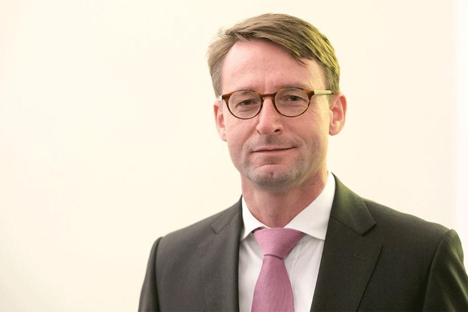 Innenminister Roland Wöller (47, CDU) vermeldet wenige Waffenrückgaben.