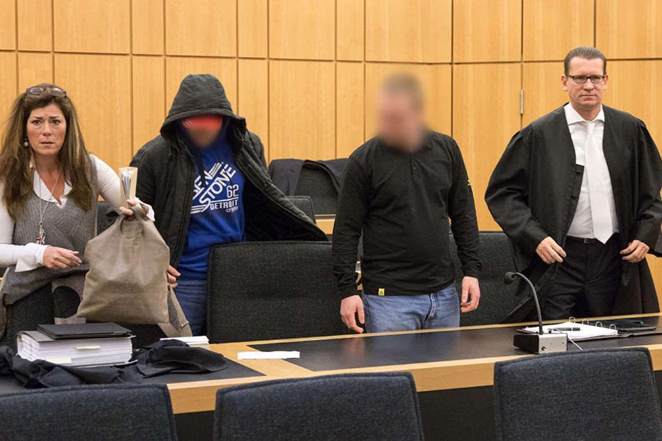 Die beiden Männer sollen für zwei Anschläge auf eine Flüchtlingsunterkunft in Hiltrup verantwortlich sein.