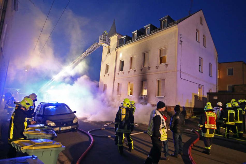 Am frühen Donnerstagmorgen brannte es im Untergeschoss des alleinstehenden Wohngebäudes.