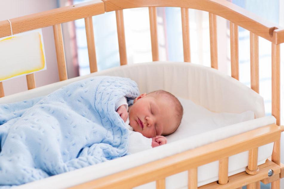 Bei dem kleinen Baby wirkte der Vibrator Wunder!