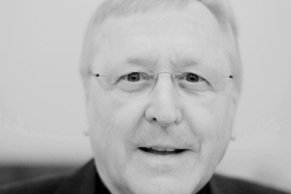 Das Erzbistum Köln trauert um den ehemaligen Weihbischof Manfred Melzer.