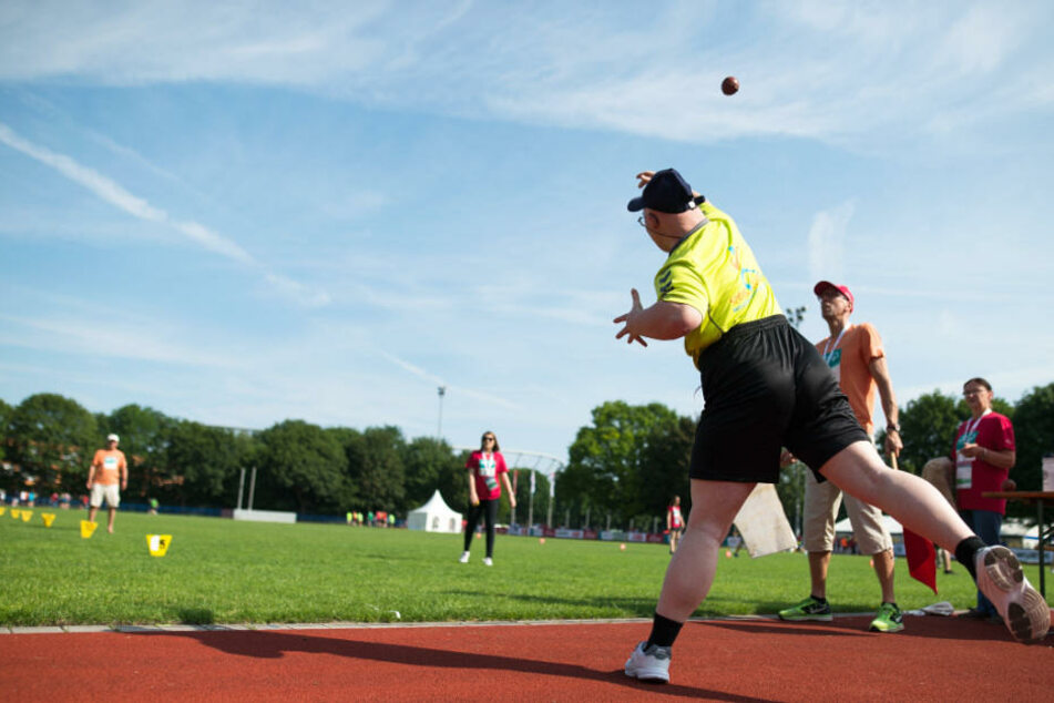 Bei den Special Olympics gibt es unter anderem die Disziplin Ballwurf. (Archivbild)