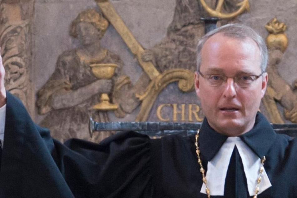 """Nach Entdeckung """"verstörender"""" Texte: Landeskirche lässt Bischof Rentzing fallen"""
