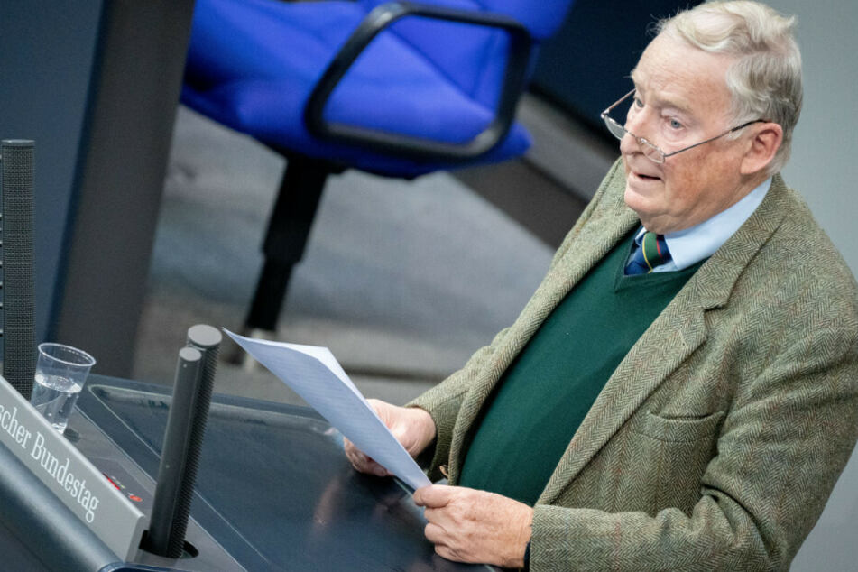 Alexander Gauland, Fraktionsvorsitzender der AfD, spricht bei der Sitzung des Bundestags. Thema ist die aktuelle Stunde - Bedrängung von Abgeordneten verurteilen.