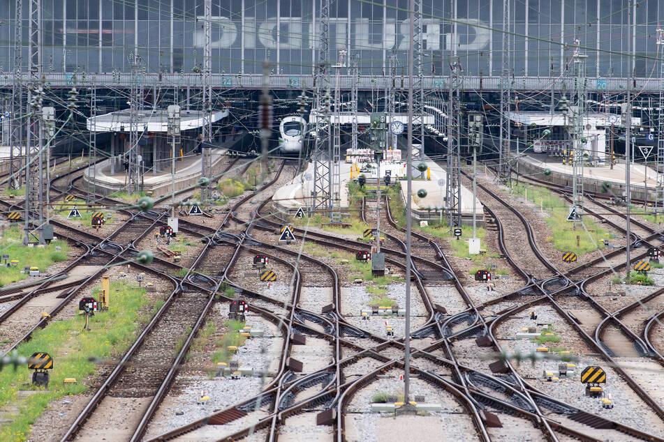 Während des Bahn-Streiks fahren nur wenige Züge. Vom 2. bis 7. September werden Nah- und Fernverkehr der Deutschen Bahn bestreikt.