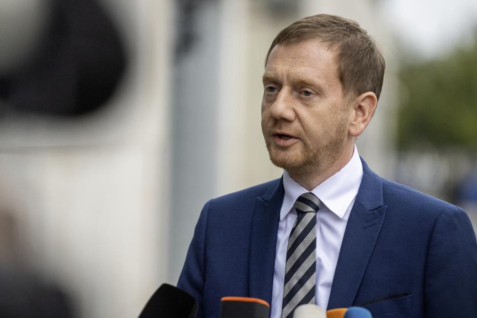 Michael Kretschmer (46, CDU) warnt angesichts steigender Infektionszahlen.