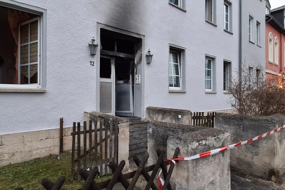 Bei einem Brand am 3. März kamen in einem Wohnhaus zwei Personen ums Leben. Die Hintergründe sind noch ungeklärt.