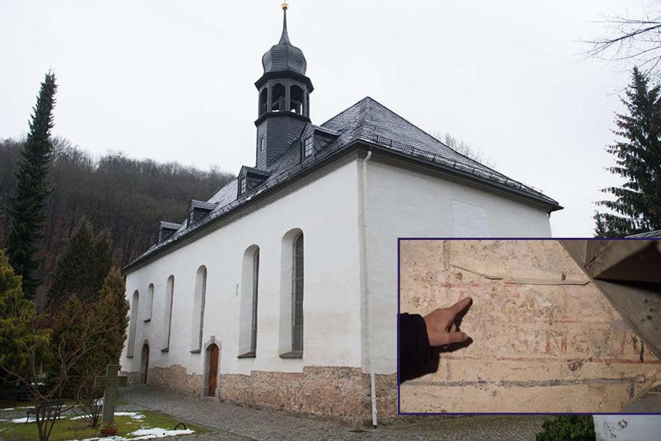 Sensations-Fund: Historische Schriften bei Kirchen-Restaurierung entdeckt