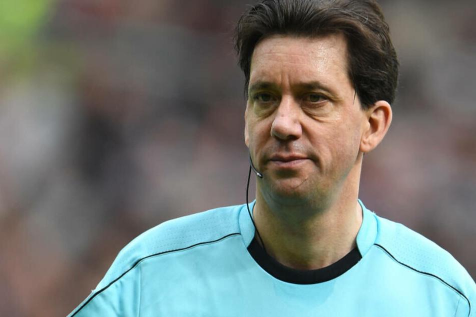 """Bundesliga-Schiedsrichter Manuel Gräfe könnte sich eine """"Trainer-Challenge"""" in der Bundesliga vorstellen."""