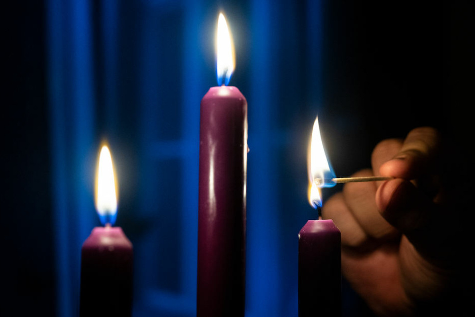 Aufgrund des großflächigen Stromausfalls mussten Tausende Berliner in Reinickendorf zu Kerzen greifen. (Symbolbild)