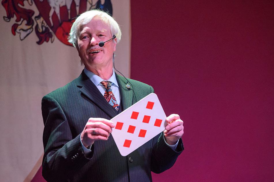 Thomas Amlung (66) zaubert seit seiner Kindheit, leitet den Chemnitzer  Zirkel.