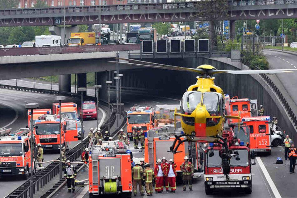 Auf der A100 kam es durch einen Auffahrunfall zu einer Karambolage. (Symbolbild)