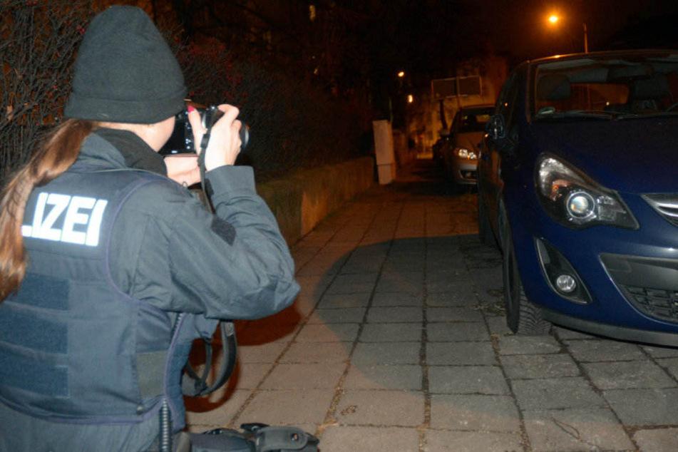 Akribisch dokumentieren die Beamten die Spuren in der Bergstraße.