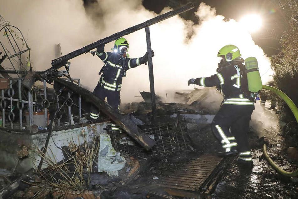 Brandstiftung? Laube in Chemnitzer Kleingartenverein abgefackelt