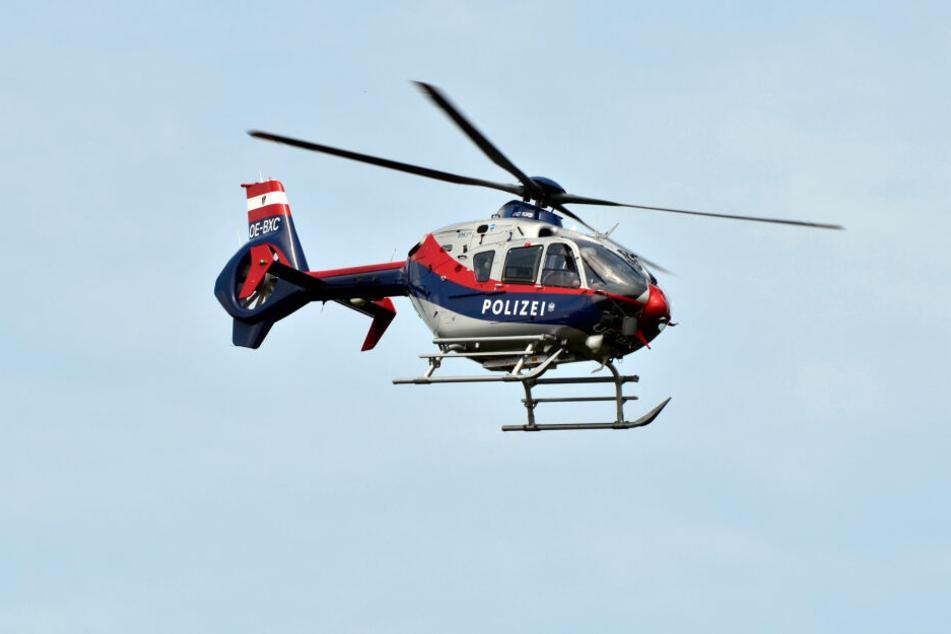 Die Polizei war mit dem Hubschrauber im Einsatz (Symbolbild).