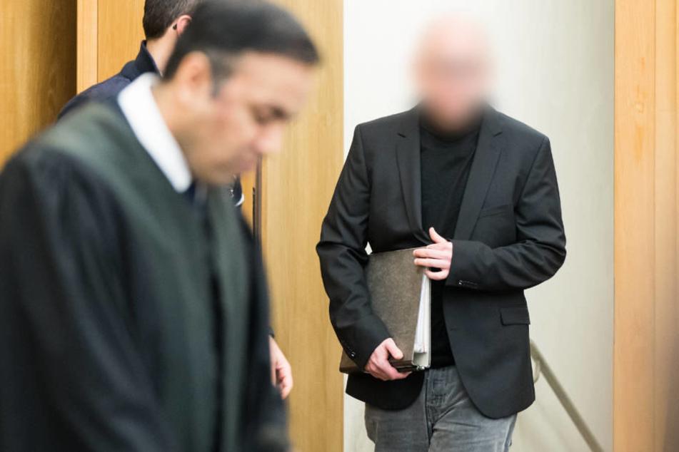 Die Medikamente, die der Angeklagte den Patienten gab, waren nach Angaben der Anklage kaum mehr wirksam.