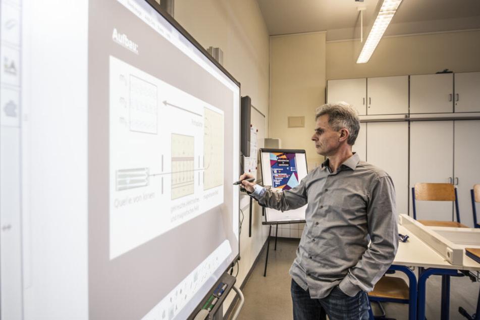 Tablets für alle! Linke wollen Chemnitzer Schulen aus der Kreidezeit holen