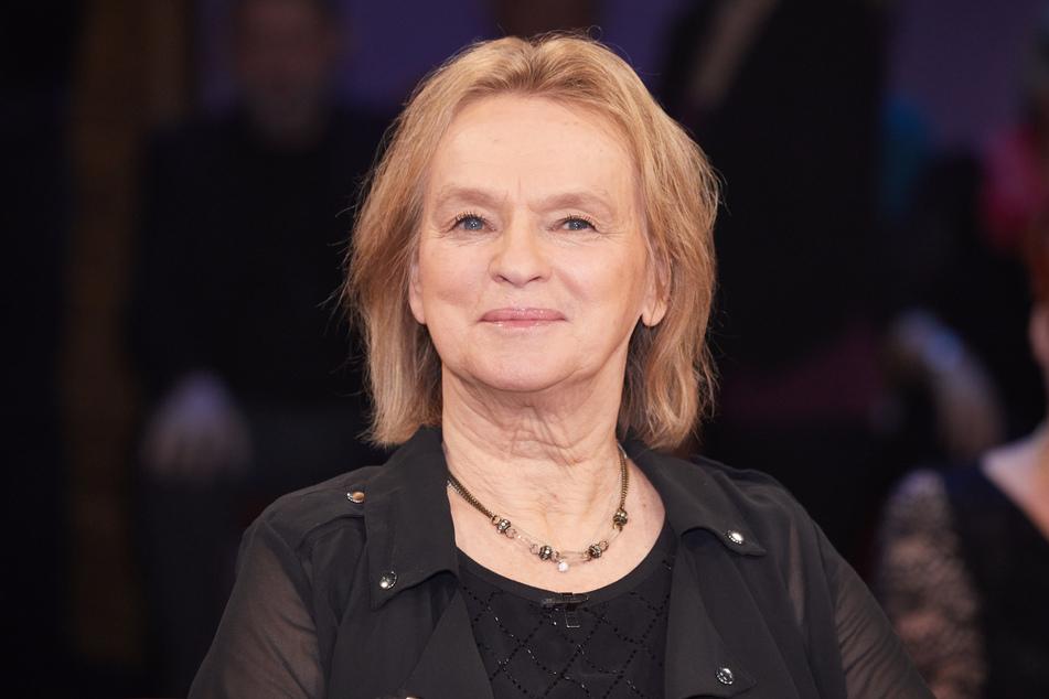 Elke Heidenreich (78) hat sich bei Markus Lanz zur Causa Sarah-Lee Heinrich, der neuen Grünen-Jugend-Sprecherin, geäußert - und einen Twitter-Shitstorm ausgelöst.