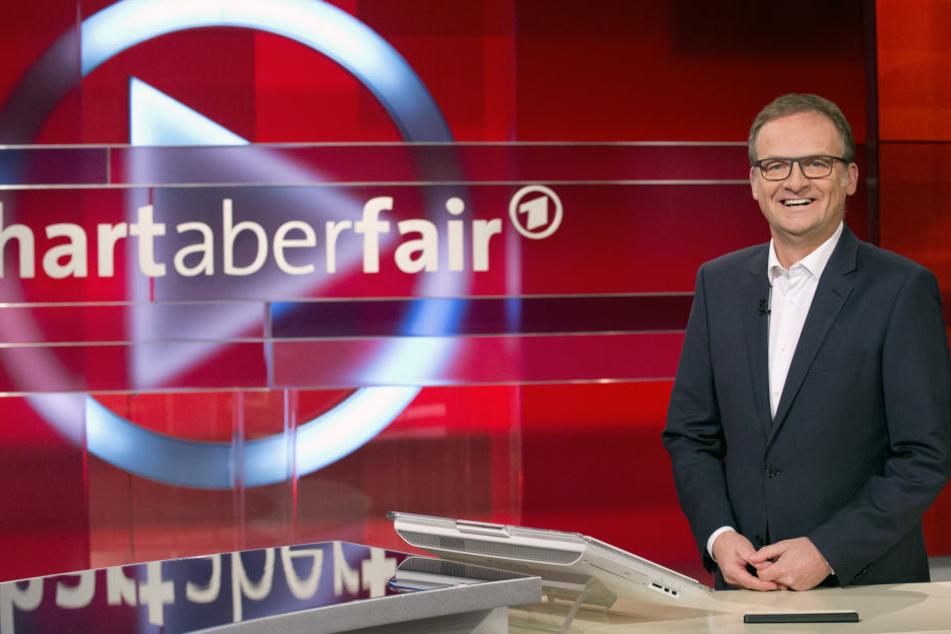 """Frank Plasberg (60) fragt bei """"Hart aber fair"""" seine Gäste in der ARD."""