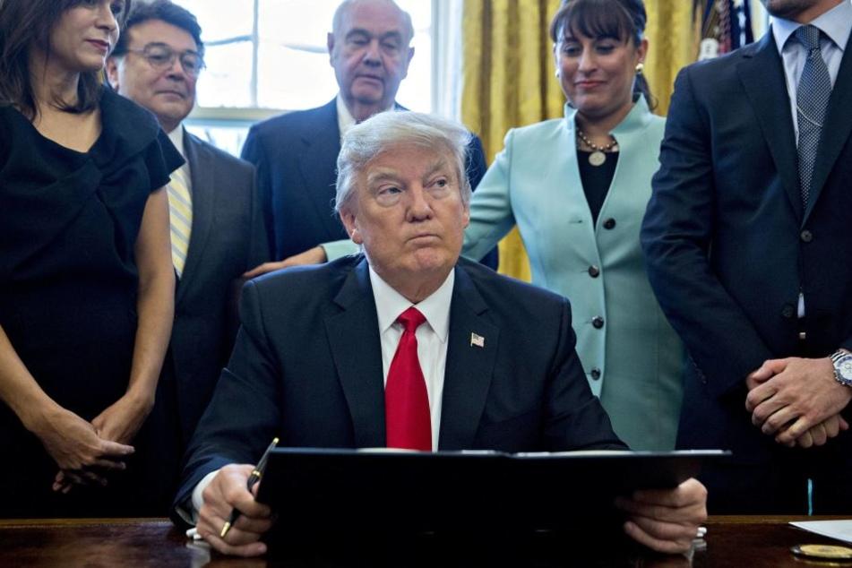 US-Präsident Donald Trump hat die kommissarische Justizministerin und Generalstaatsanwältin Sally Yates entlassen.