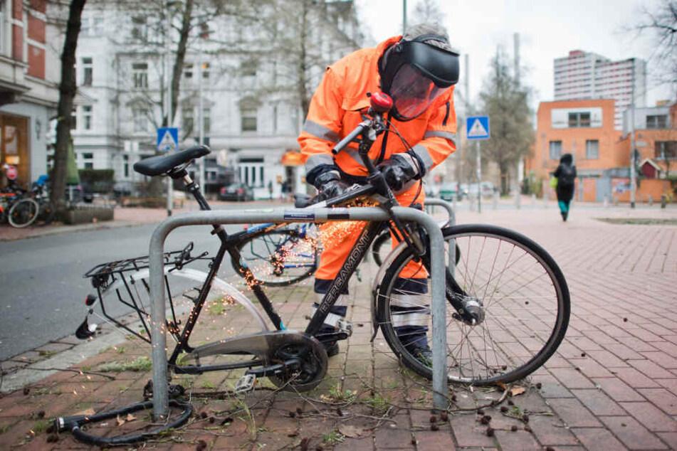 Markierte Fahrräder werden nach zwei Wochen entfernt. (Archivbild)