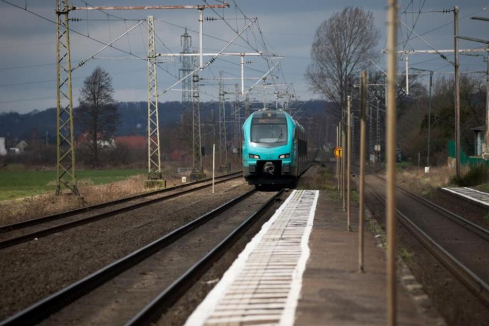 Ein Zug der Eurobahn soll eine Passagierin einfach auf dem Bahnsteig zurückgelassen haben.