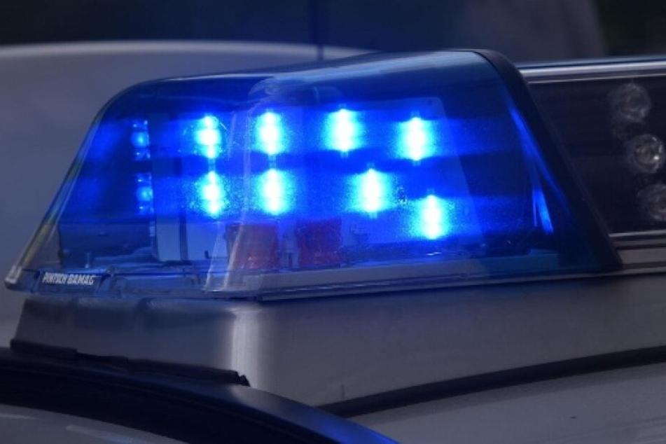 Die Polizei fand den Mann in seiner Wohnung. (Symbolbild)