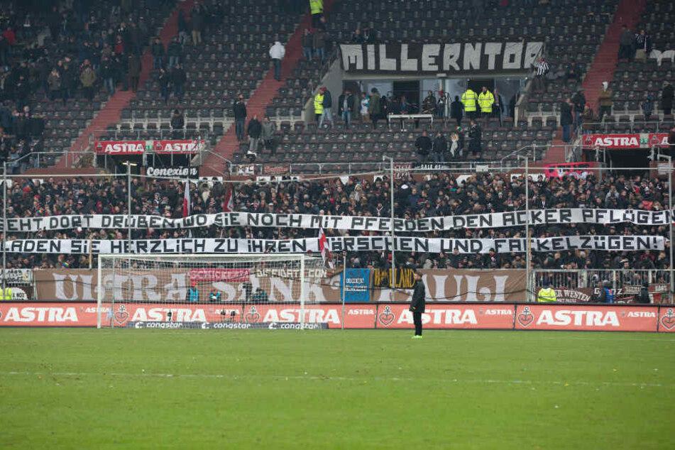 Mit dem ersten Teil des Banners provozierten die Pauli-Fans bereits die Dresdner.
