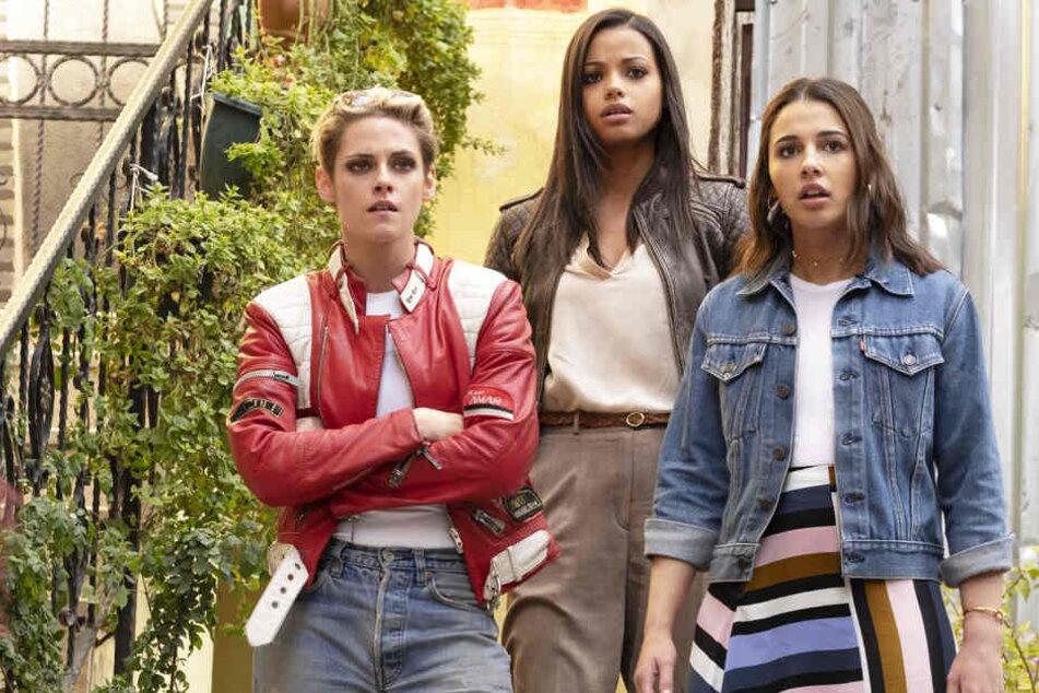 Von links nach rechts: Sabina Wilson (Kristen Stewart), Jane Kano (Ella Balinska) und Elena Houghlin (Naomi Scott) müssen die Welt vor einer neuartigen Waffe beschützen.