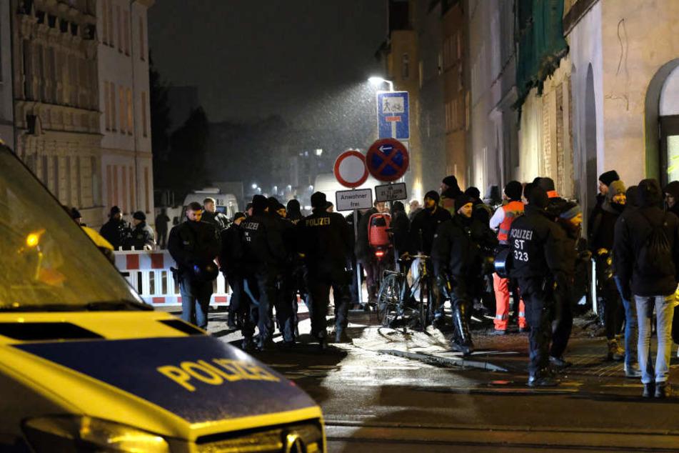 """Geplatzte """"Hasi""""-Räumung in Halle: Polizei hätte nicht abbrechen dürfen!"""