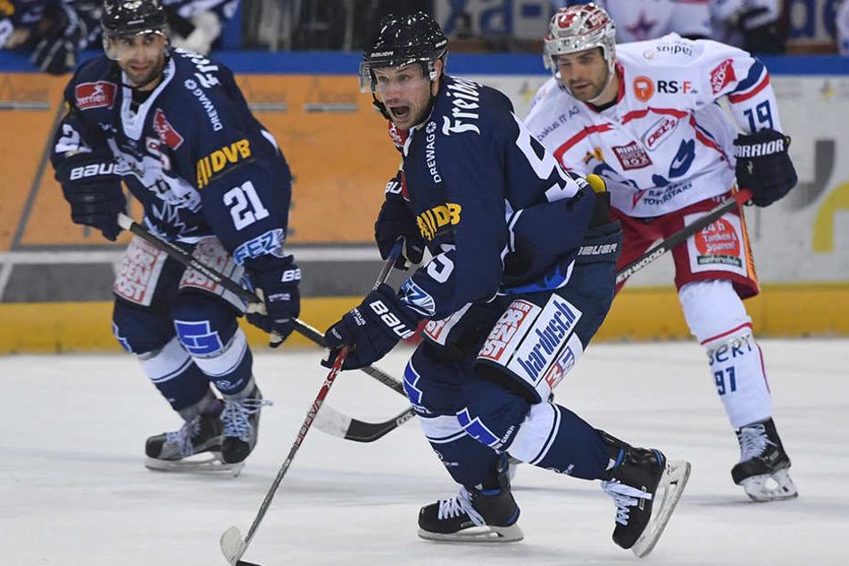 Für den Finnen Ville Hämäläinen war es das erste Spiel für die Dresdner Eislöwen.