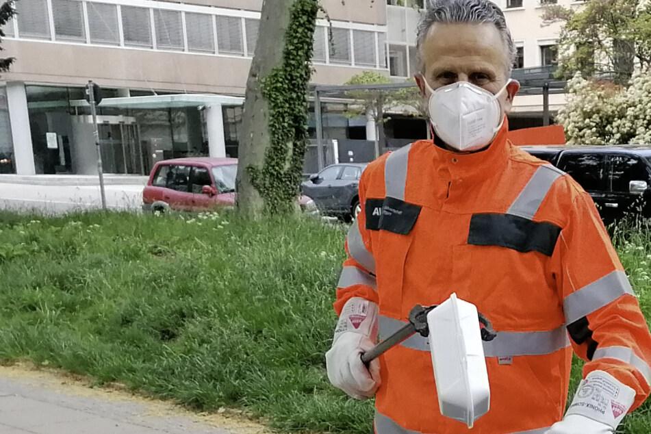 Stuttgarts OB Frank Nopper (59, CDU) probierte sich als Müll-Mann.
