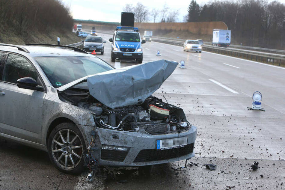 Die Unfälle ereigneten sich in kurzen Abständen auf der A4 zwischen Hohenstein-Ernstthal und Wüstenbrand.