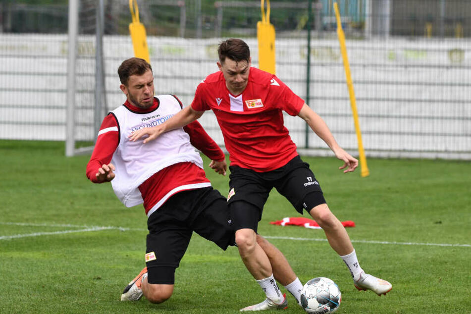 Ken Reichel (l.) und Florian Flecker zeigen sich in dieser Aufnahme vom Dienstag im Trainingslager in Aktion.