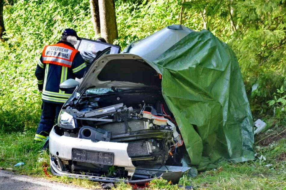 Der schwer verletzte Zwickauer starb noch an der Unfallstelle.