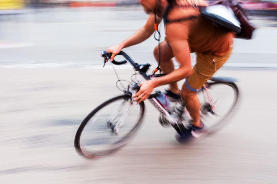 Polizei fahndet nun nun nach dem flüchtigen Radfahrer. (Symbolbild)
