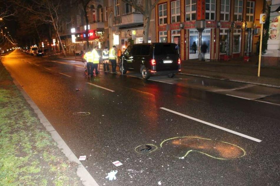 Horror-Unfall: Polizeiauto fährt Fußgängerin an, Frau stirbt im Krankenhaus
