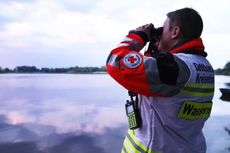 Die Suche nach dem vermissten Schwimmer musste am späten Donnerstagabend erfolglos abgebrochen werden.