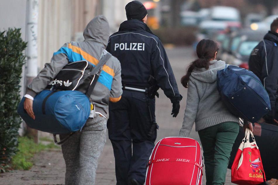 17 tunesische Asylbewerber wurden am Mittwoch in ihr Heimatland geschickt (Symbolbild).