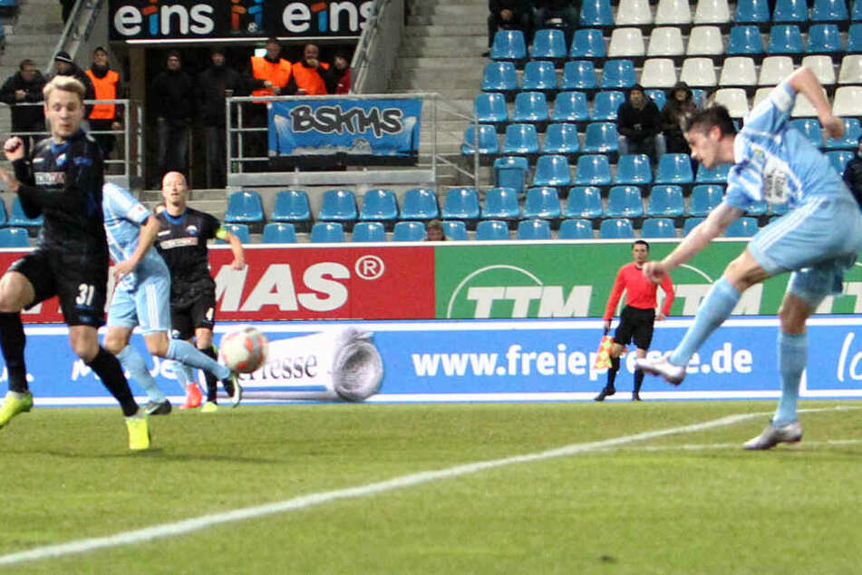 Treffer zum 1:0 - Dennis Mast zieht ab und verwandelt!