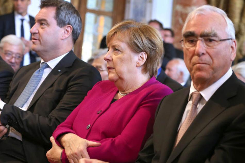 Theo Waigel (r.) fordert nach der Landtagswahl klare Konsequenzen. (Archivbild)