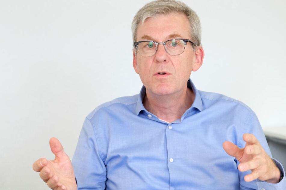 Gegenüber Polizisten nimmt die Gewalt zu, kritisiert Ralf Michelfelder.