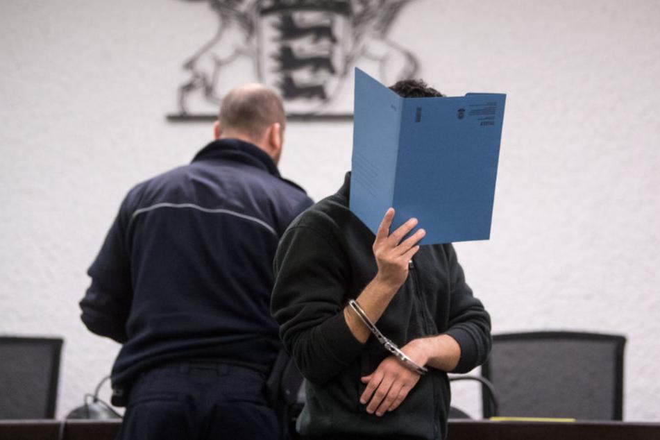 Das Gericht verurteilte den 24-Jährigen am Donnerstag zu eineinhalb Jahren auf Bewährung.
