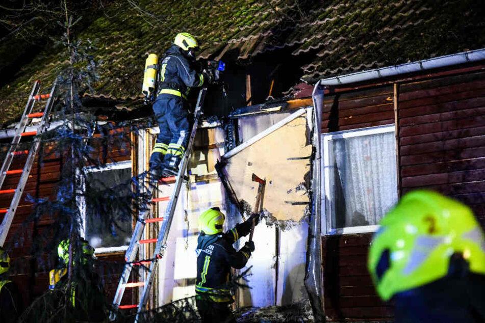 Wahre Heldentat: Feuerwehr rettet Oma und ihre Tiere aus Flammeninferno
